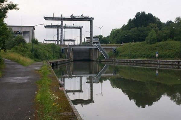 Belgique : Charleroi Ed85795b